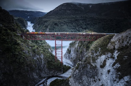 TranzAlpine Day Excursion - Christchurch-Arthurs Pass-Christchurch